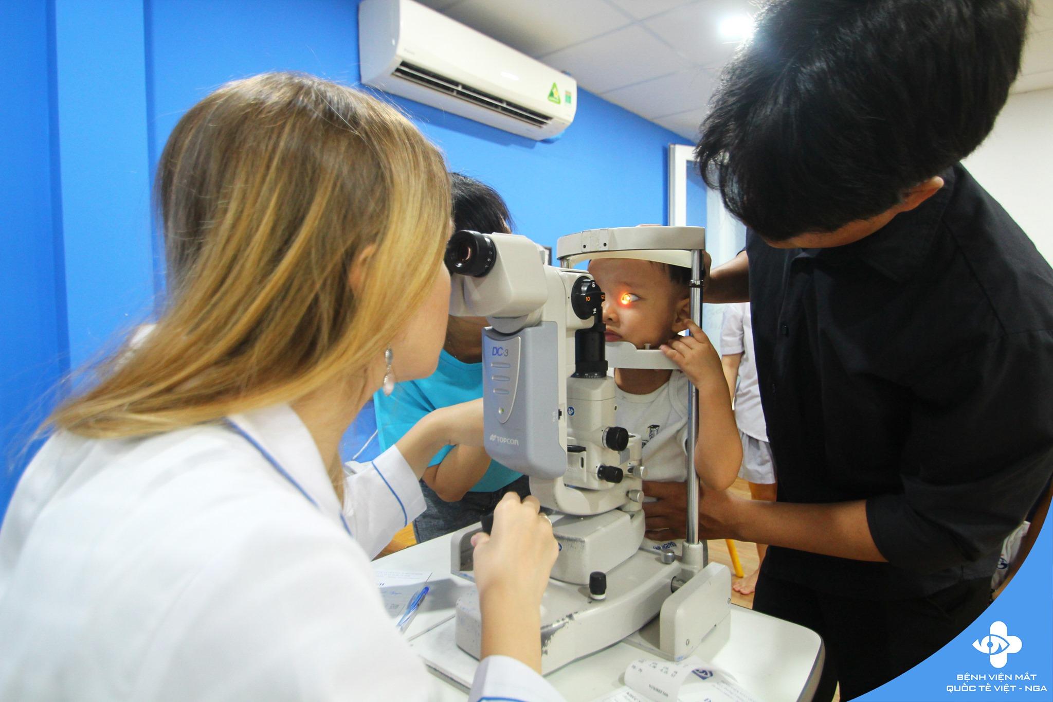 Khám mắt miễn phí tại Trường Global Academy & Nhiêu Tứ Campus