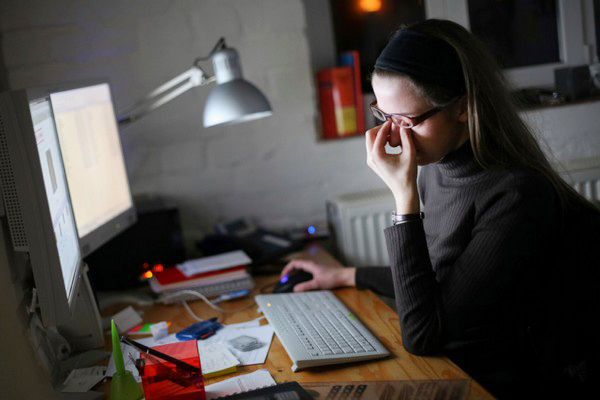 5 cách bảo vệ đôi mắt hết mờ, mỏi, nhức mắt cho dân văn phòng